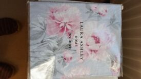 Laura Ashley 'beatrice' double bed duvet and 2 x pillow case - brand new in packaging