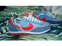 Nike silver Grey trainers