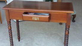 Rectangle mahogany wooden table