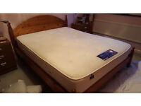 King sized Silentnight Ashridge mattress, 1400 pocket springs with memory foam - 18 months old