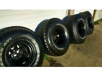 "35x12.50 15"" deep dish wheels and excellent general grabber 4x4 tyres"