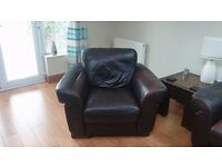BROWN LEATHER 3 PIECE SUITE, SOFA AND 2 ARMCHAIRS IN GOOD CONDITION
