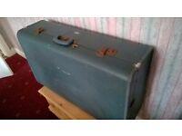 Vintage 50's Lockable Suitcase