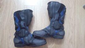 Motorbike boots - size 7/8UK - mens- used