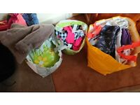 Nice girl clothes 2-3 years old new.£30 today
