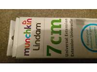 Lindam munchkin 7cm gate extension brand new in the box