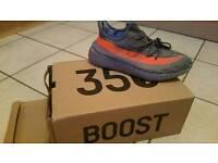 Adidas yezzy size 9.5
