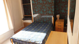 Double bedroom in 3bed flat to rent Torry