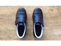 Selling work shoes