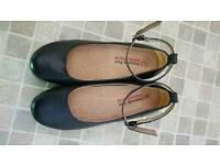 Heavenly feet size 4