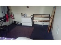 Beautifull double room for rent by sea front