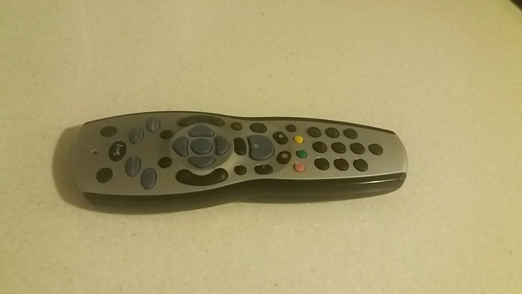 sky hd remote controlin Stepps, GlasgowGumtree - Genuine sky remote control. Supplied by sky. Good condition. Includes batteries