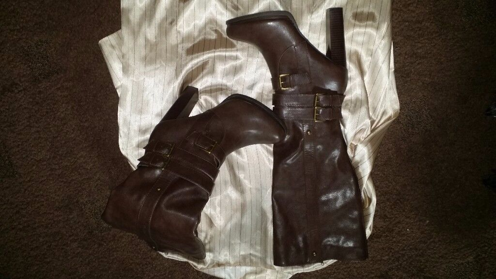 Ladies Boots size 38.5