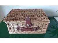 Picnic basket for 2