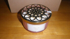 New Scented Candle - Fragrant Pink Pear & Peony