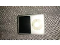 Perfect for Music at Xmas - 4GB iPod Nano (3rd Generation) with iPig Amethyst Speaker