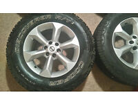 Nissan Navara 17x7J alloy wheels with tyres