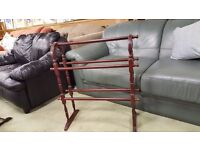 Vintage-inspired design, standing towel rail - good Condition