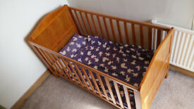 MotherCare Cot / Bed -- Adjustable Height -- Great Condition