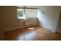 Looking for a flatmate in Chesterton- Roomy, modern flat just off highstreet near the Haymakers.