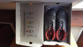Nearly new waterproof VivoBarefoot shoes Size UK 7/ EU 40