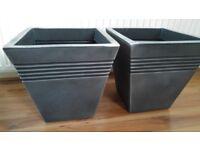 2 x NEW plastic Planters 34cm