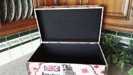 Decorative storage chest
