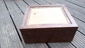 oak box. wood wooden. Mouse-proof