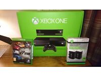XBOX ONE WITH KINECT, 500GB SUPERB CONDITION, 2 X VENOM CHARGING PACKS (BOXED)