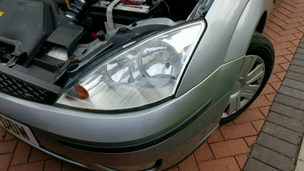 Ford focus pair front headlights