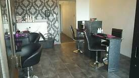 Nail bar/hairdressing section/beauty roon to rent