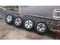 i have a full set of dacia duster steel wheels with excellent tires