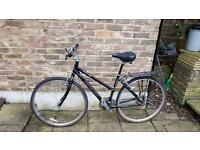 Ladies crossroads bike good condition