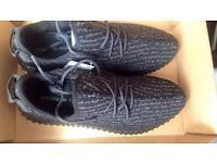 Adidas Yeezy's 350 Boost pirate black
