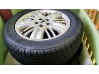 Pair of Rover 75 Alloy wheels