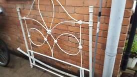 Headboard 4.6 wide cream metal