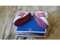 Adidas wee shoe size 3