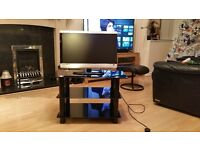 23'' LCD TV/DVD AND GLASS STAND