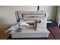 SINGER 502 sewing machine with carry case