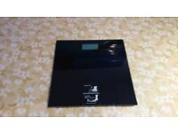 Electronic Bathroom Scales Black Glass