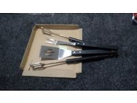 BRAND NEW BARBEQUE BIG TONGS, SPATULA AND FORK SETS