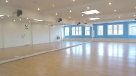 Spacious, mirrored studio for hourly hire