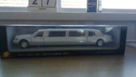 Official Ford Licenced Lincoln limousine collectors die cast model