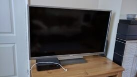 40 inches Toshiba TV for sale