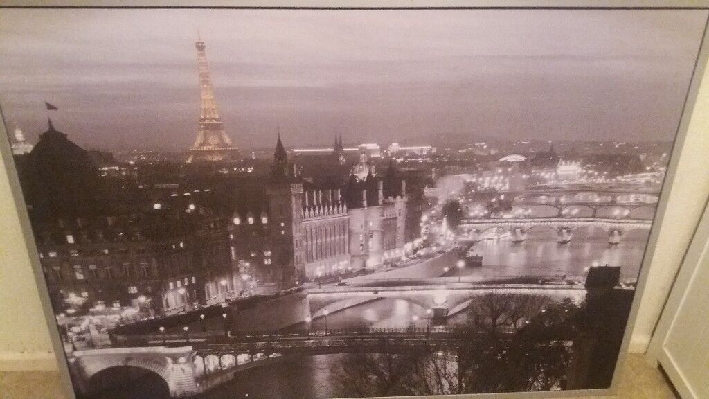 Large picture with frame of Paris