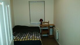 1 Double Bedroom in 2 Bed flat Manchester £290