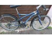 APOLLO MENS OR LADIES MOUNTAIN BIKE, 17 INCH FRAME, 26 INCH WHEEL'S, 18 GEARS, GOOD CONDITION