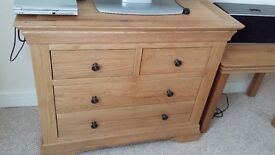solid wood (oak) chest of drawers 770x955x415 as new