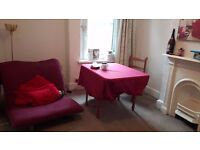 Spare room in 2-bed first floor flat off Albany Road