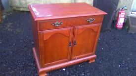 Wee sideboard / TV unit